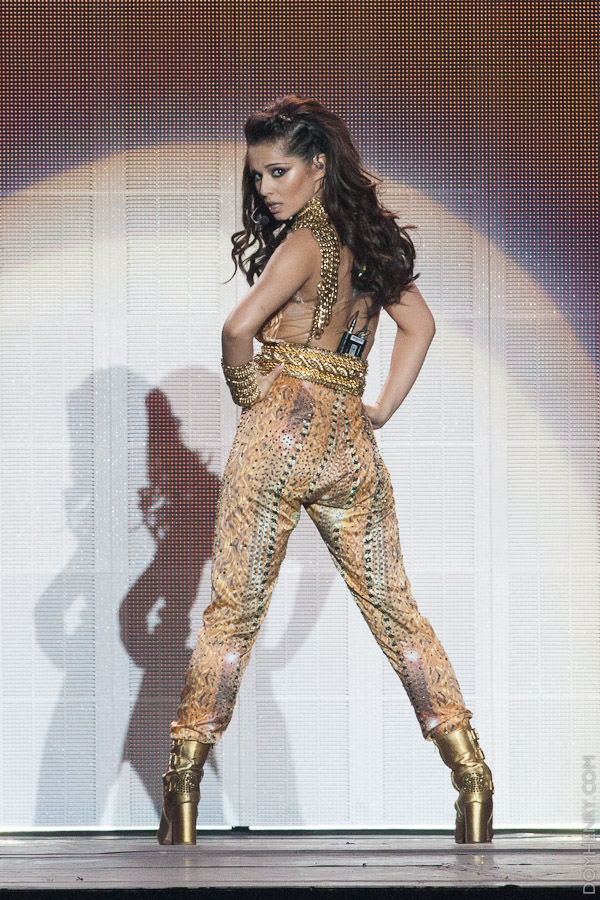 Chertl Cole in a gold jump suit on her Million Lights tour - photo by Dom Henry (c)